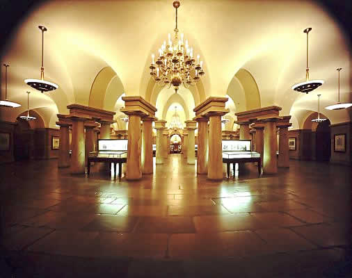 Us_capitol_crypt