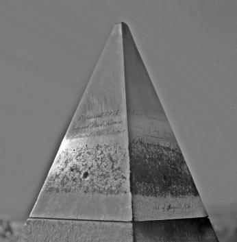 Washington-Monument-Aluminum-Apex-Laus-Deo-1004x1024