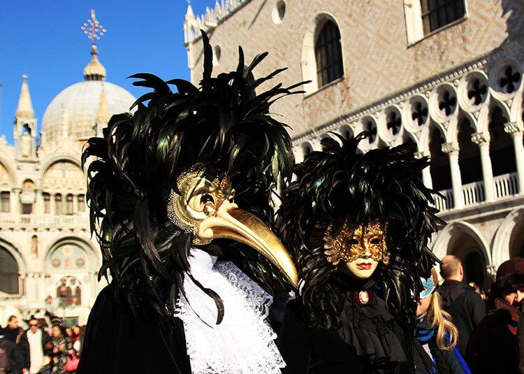 Luxe-Adventure-Traveler-Venice-Carnival-14